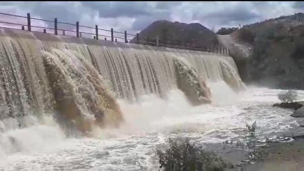 """Reservatório De água """"Passagem Molhada Do Rio Cariacá"""" Transborda E Alegra Agricultores"""