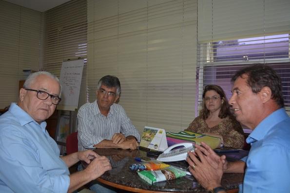Josias Gomes E Ex-prefeito De Barra Do Choça Debatem Na SDR A Ampliação Da Comercialização Do Café Produzido No Município