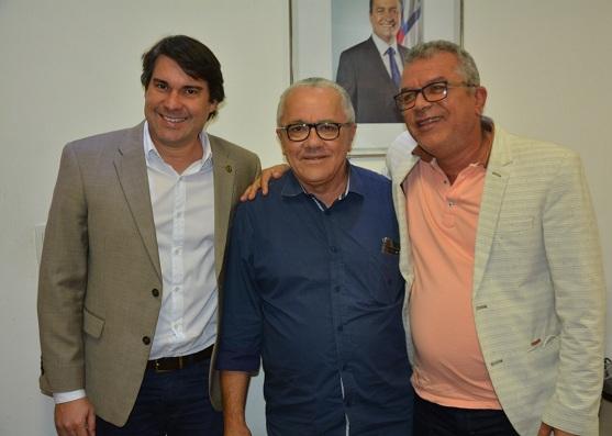 Prefeito De Biritinga Se Reúne Com O Secretário Josias Gomes