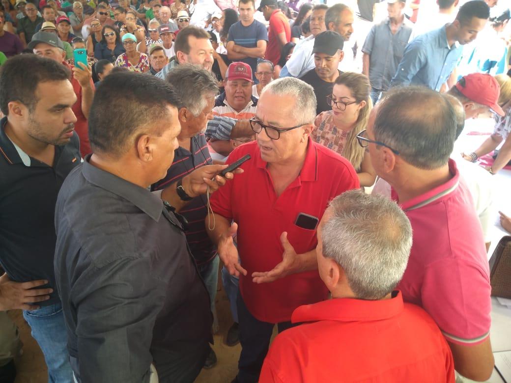 Em Casa Nova, Secretário Josias Gomes Entrega Seis Máquinas Forrageiras A Associações De Agricultores Familiares