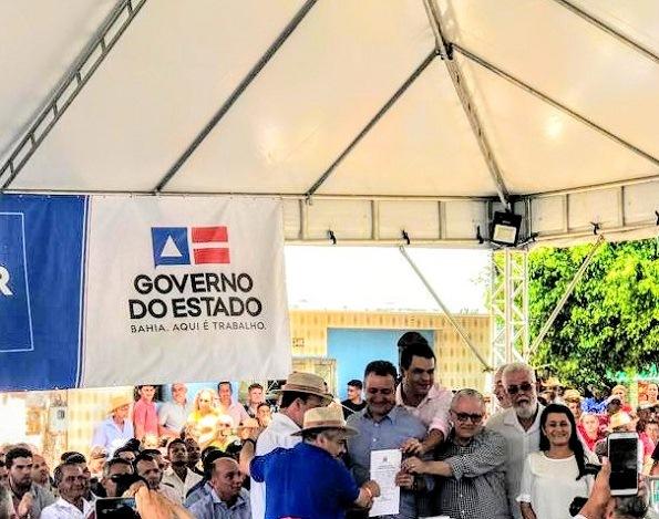 Correntina: Josias Gomes Participa Da Entrega De 100 Barracas Para Qualificação Da Feira Livre