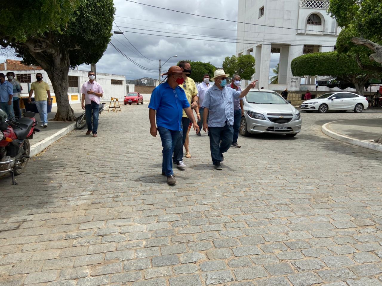 Cipó: Deputado Josias Gomes E Prefeito Marquinhos Inspecionam Mercado Municipal